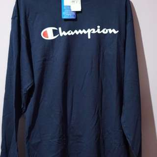CHAMPION PULLOVER NAVY IN SIZE L