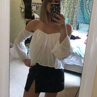 Off shoulder white boho festival top size 6 XS