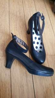 Molly N black leather shoes
