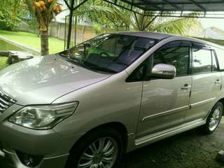 Toyota Innova luxury G 2.0 AT thn 2012...