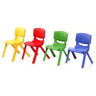 KIDS PLASTIC CHAIR