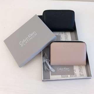 情侣钱包 X 2 ( 黑与粉红色 )Calvin Klein Couple Pouch x 2 ( Black & Pink )