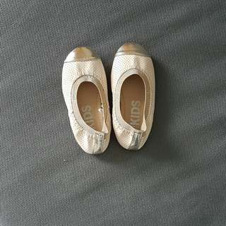 Cotton on kids shoes size 9
