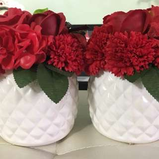 Roses🌹 in a white vase