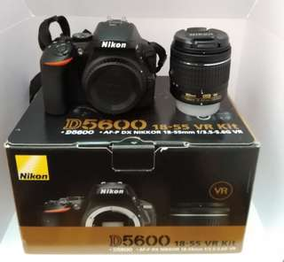 """URGENT SELL"" Nikon D5600 (Condition Like New PM for 360° picture)"
