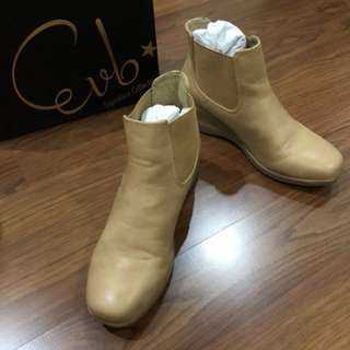 Evb Almond Boots (Signature Collection)