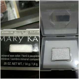 Sparkling white eyeshadow