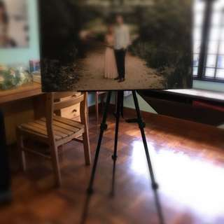 Portable collapsible photo / poster stand