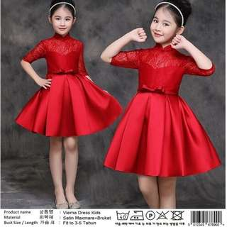 Vierna dress kids Rp65.000 Satin maxmara kombi brukat kancg blkg 3-5th. Redi jkt