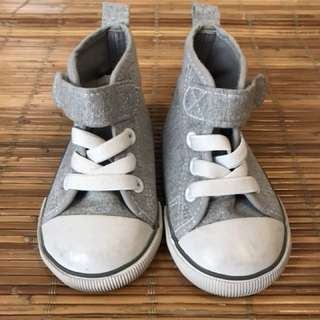 H&M baby boy shoes in gray