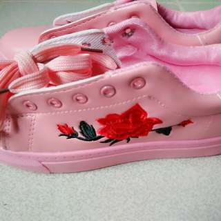 ROSE EMBROIDER SHOES