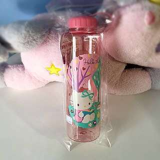 Authentic Sanrio New with Tag Hello Kitty Water Bottle
