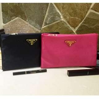 全新Prada Gift Makeup Pouch Bag 手提包/銀包/化妝袋 (有黑色, 粉紅色)
