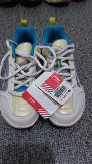 Badminton Shoes (Head and Li-ning)