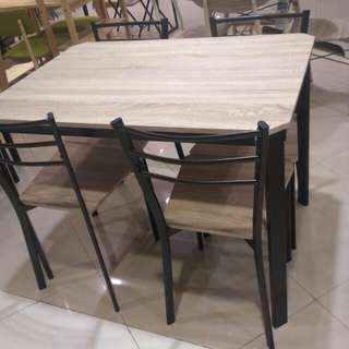 Kredit Zayn Table Set Tanpa Kartu Kredit