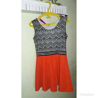Dress brukat black and orange