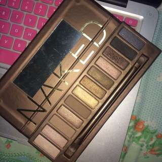 NAKED 1 PALETTE (barely used)