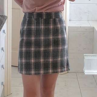 Pink and grey checkered skirt - made in Korea