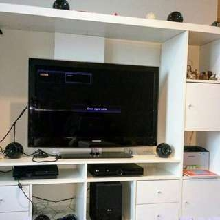 Rak TV Ikea & TV 42 inch