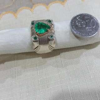 R83 Natural Emerald Ring