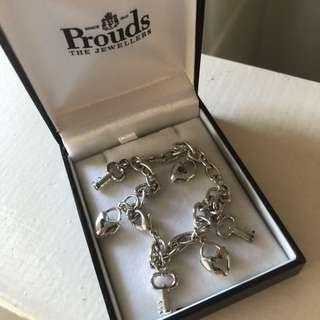 BRAND NEW lock and key charm bracelet
