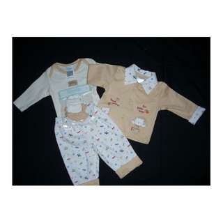 NWT Nannette Beige White 5pc Baby Outfit Set Pajama Jacket Romper HAT SOCKS 3/6m