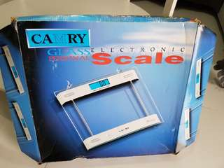 Electronic Tempered Glass Personal Weighing Scale (Brand: Camry)