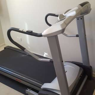 Horizon Paragon 508 treadmill