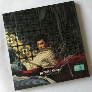 Shawn Yue 余文乐  autographed album