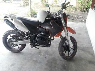 Demax 200cc