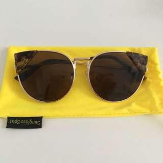 Sunglassspot sunglasses cateye tortoise shell (fendi look-alike) gold rims
