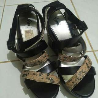 Fioni by payless