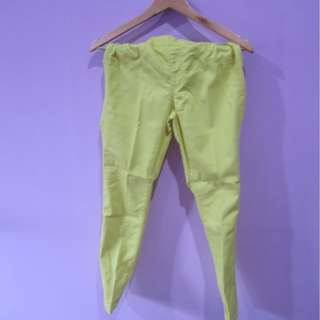 jegging uniqlo hijau neon