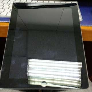 iPad 2 16GB WiFi + 3G 跟4個殼