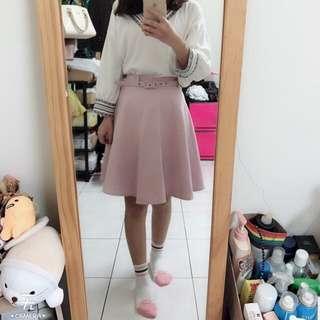 浪漫粉色及膝裙