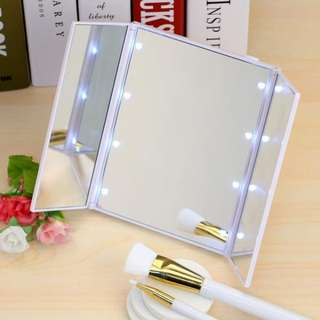 LED Light Table Makeup Standing Folding Mirror Portable [INSTOCK]