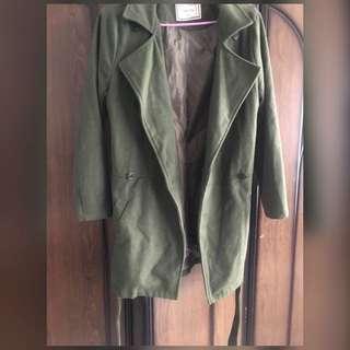 🚚 軍綠綁帶大衣