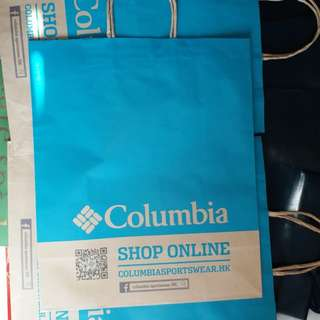 Columbia 紙袋 (39.5 x 33 x 15)cm 剩1個 no Bargaining❎不議價 只賣不交換 Transfer Place: see my profile