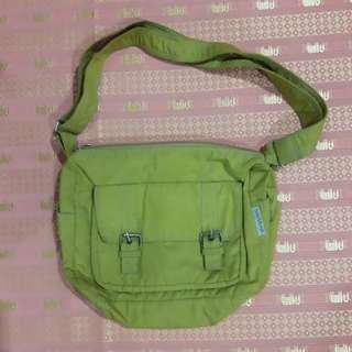 Heartstrings Green Sling Bag
