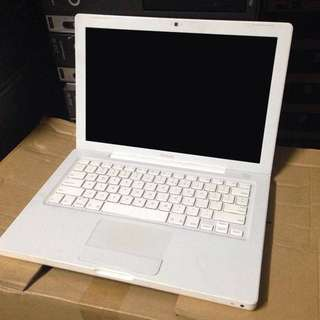 macbook 13 2011 model
