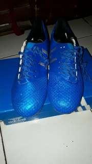 Sepatu bola