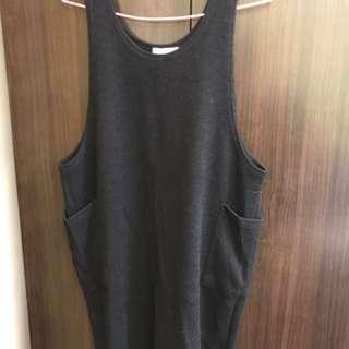 長版黑色大口袋造型背心裙