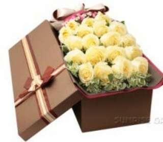 Vday white roses gift box - 0066