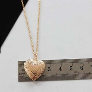 (5 LEFT!!) lovisa heart bow locket necklace