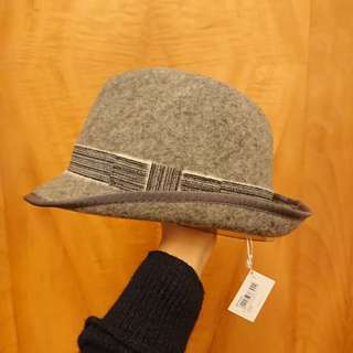 100% new Initial wool hat
