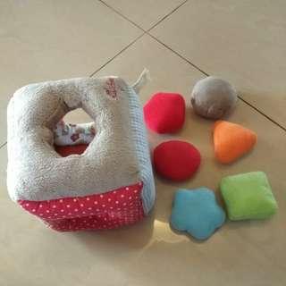 Soft toys shape sorter