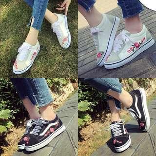 Faith White/Black Sneakers