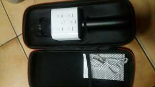 Mic bluetloth speaker