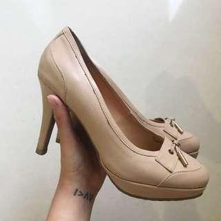 Noche Beige Pump Shoes