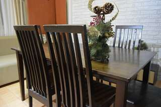 6-seater solid wood dining set